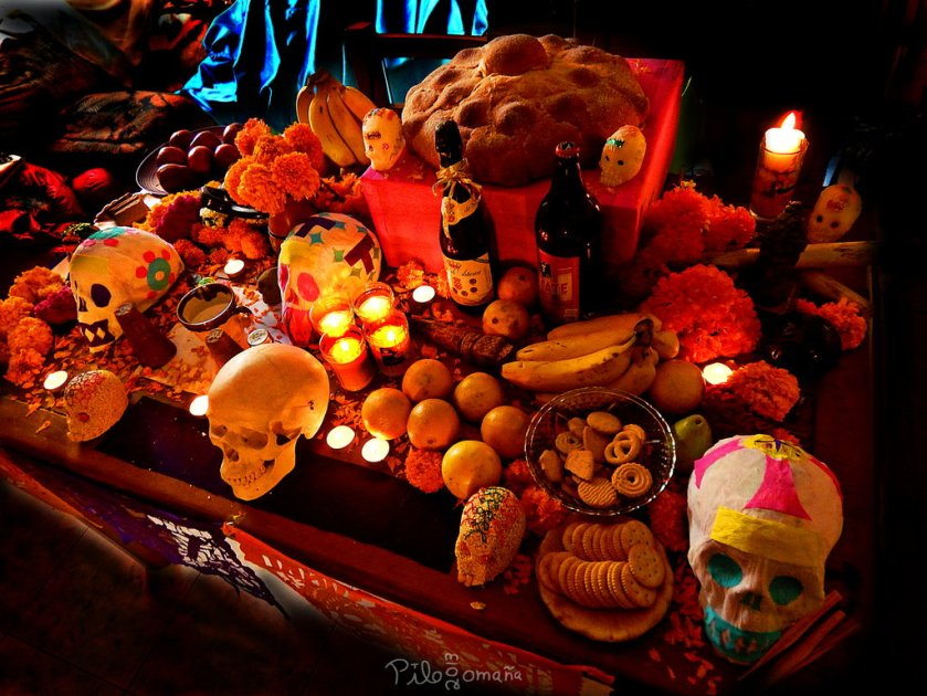 day-of-the-dead-altar-mexico