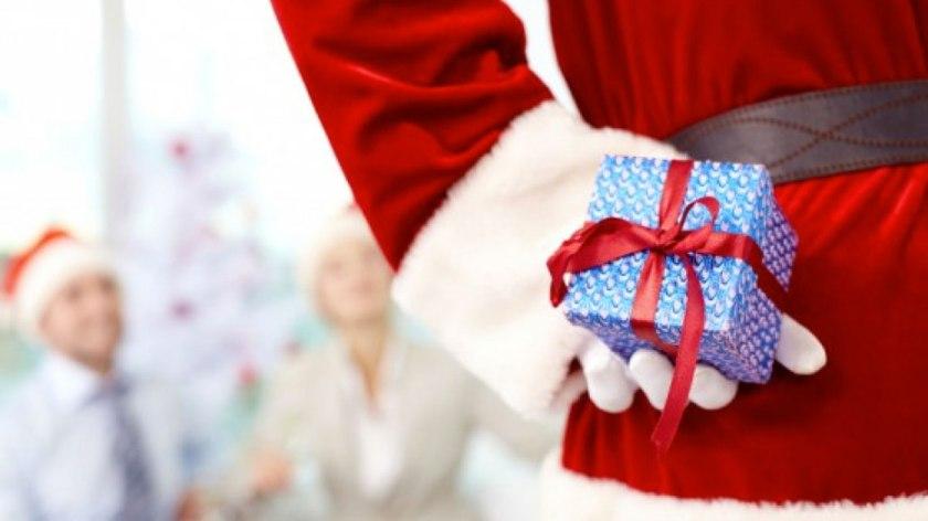 secret-santa-gift-guide-18173